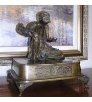 Διακοσμητικό Aγαλματιδιο